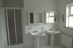 Ireland_House_Indoor_Bathroom_2.jpg