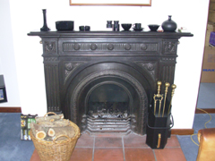 IrishHouse_indoorFirePlace1.jpg